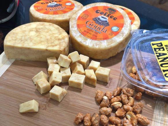 Red Apple S Coffee Gouda June Cheese Of The Month Bottle King S Vineyard Market